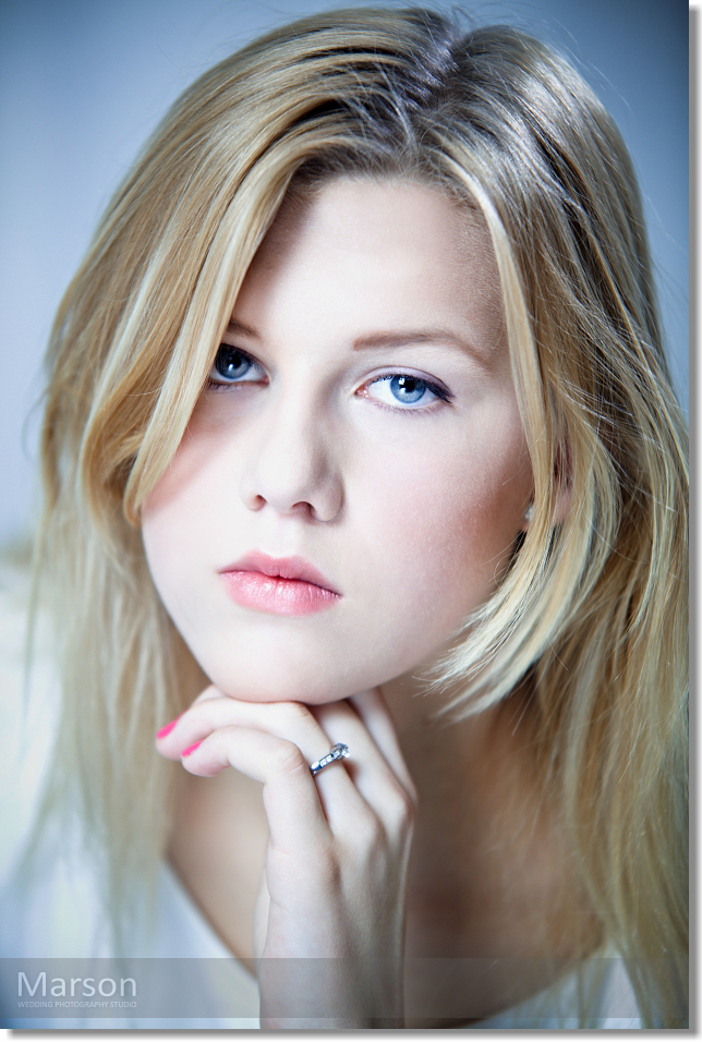 Visage Change of Caroli Blonds 005