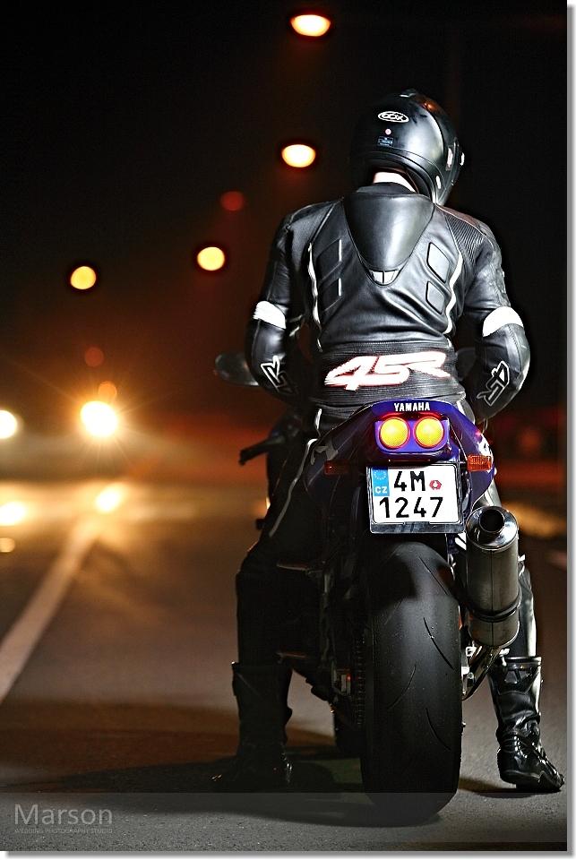 Yamaha R1_Gabca a Ondra 007 photo by Marson