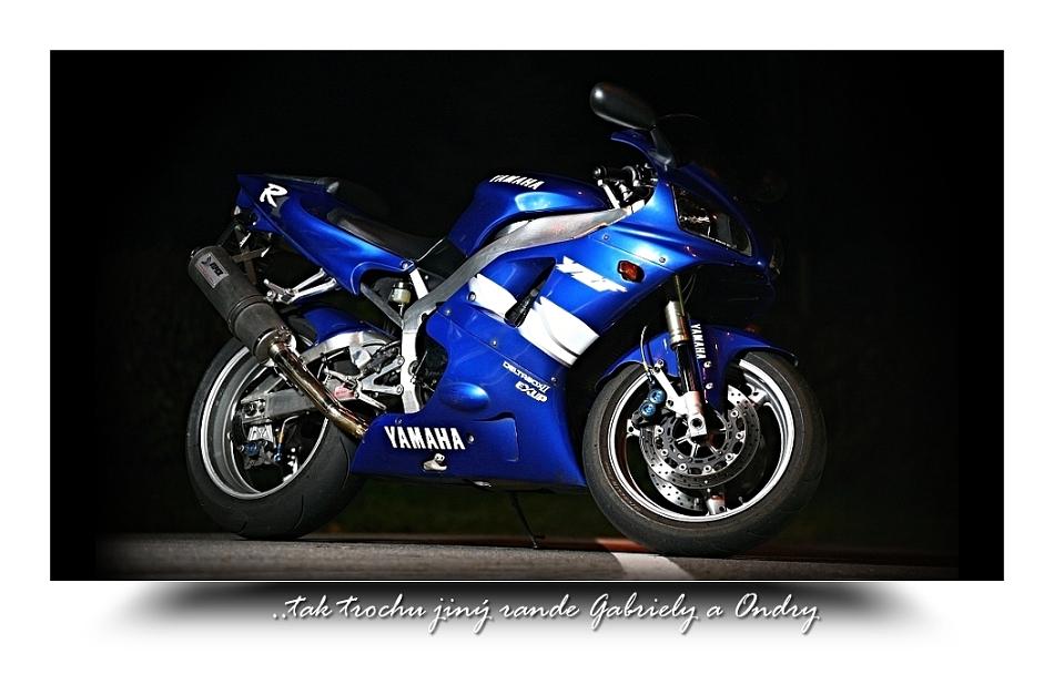 Yamaha R1_Gabca a Ondra  photo by Marson