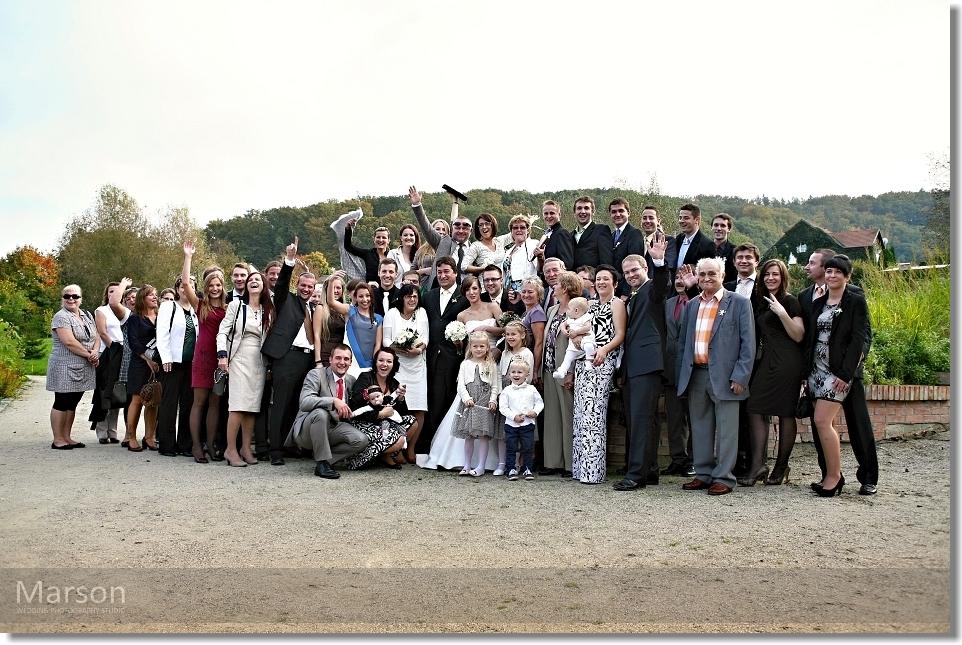ZMENŠENÉ Svatba Katka & Pepík - společné focení skupinek 001